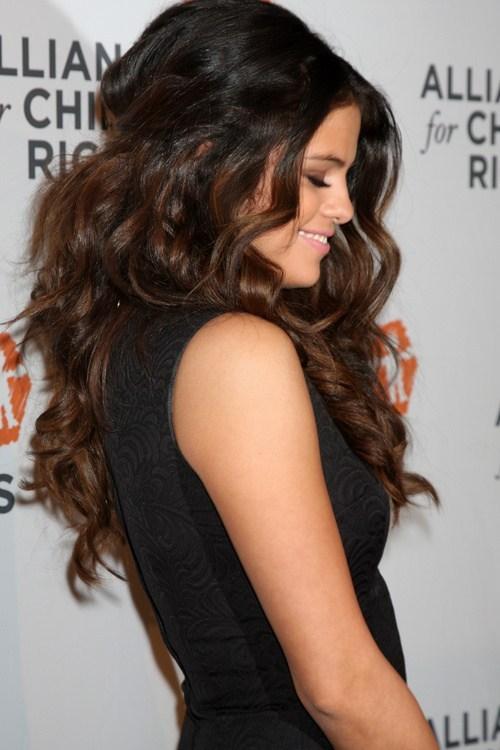 تسريحة الشعر المموّج