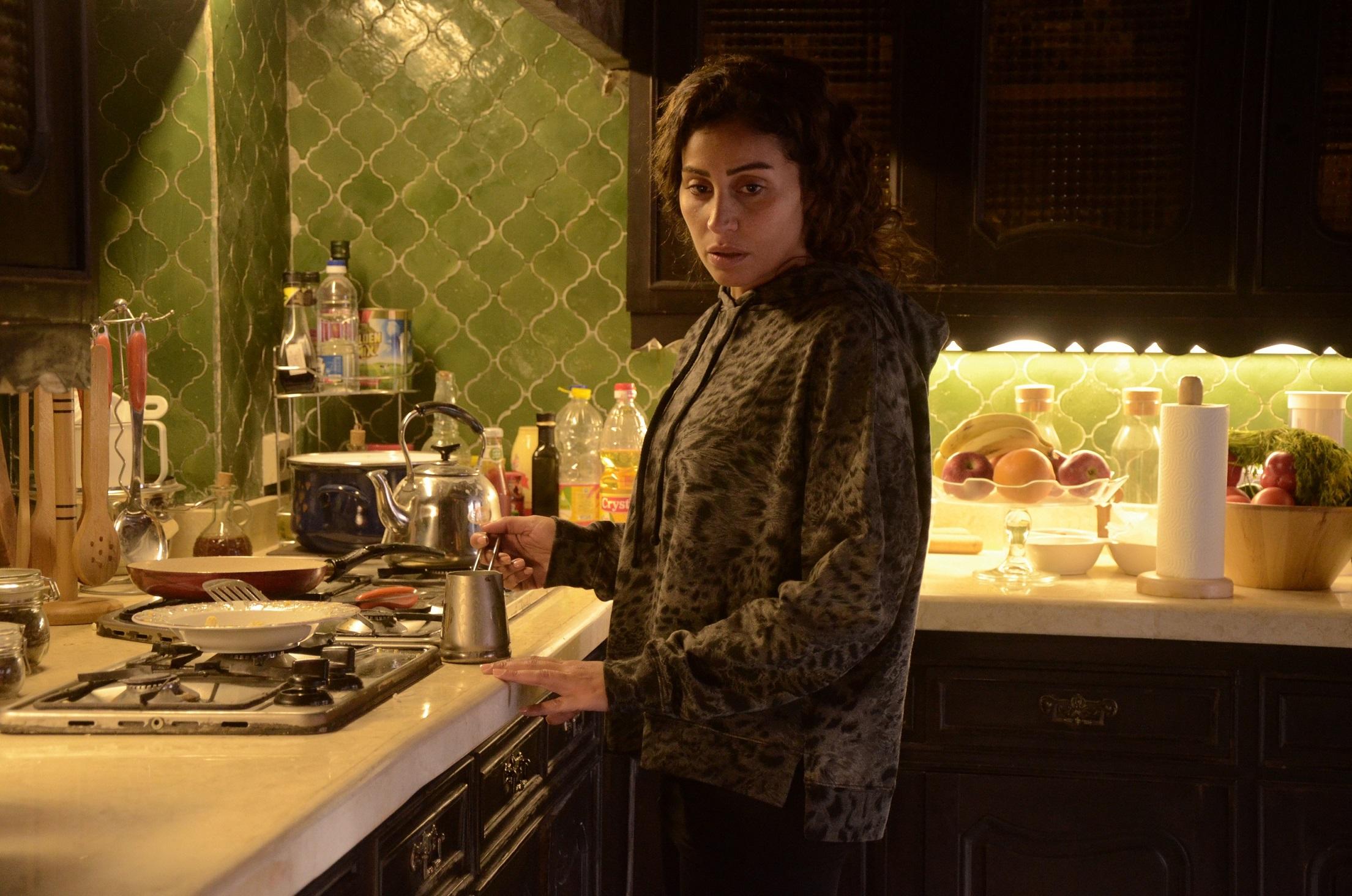 دينا الشربيني في مشهد من المسلسل