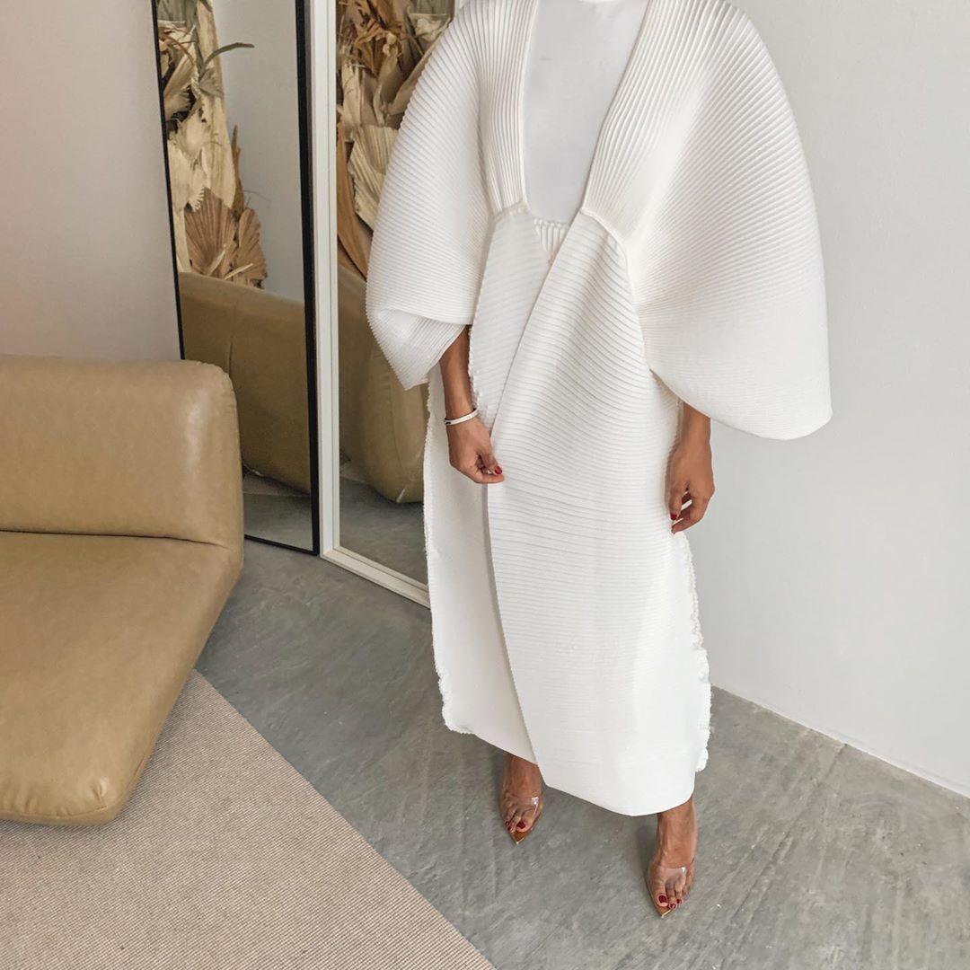 عباية بيضاء من توقيع Nafs Designs