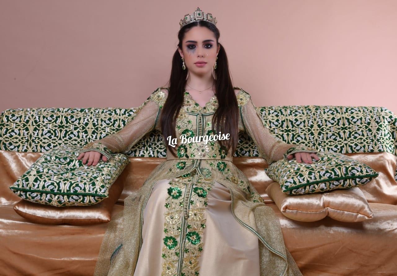 78f86aa8f هند باني دخلت عالم الأزياء منذ 5 سنوات، بعد عودتها من لندن، حيث درست  واشتغلت هناك في مجال التسيير الإداري والمالي، لكنها فضلت العودة للاستقرار في  المغرب، ...