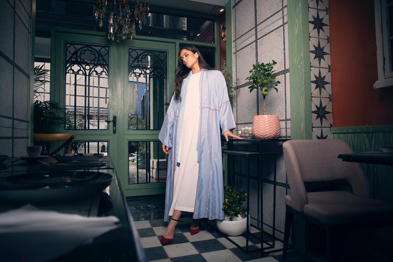 من تصلميم المصممة الكويتية أماني بنت بو علي التي تكشف لنا مشاركتها في معرض أنا عربية