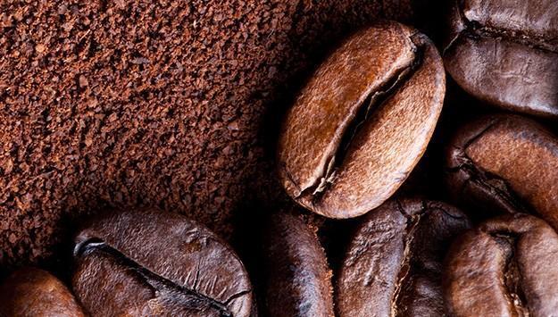 فرك البشرة بالقهوة