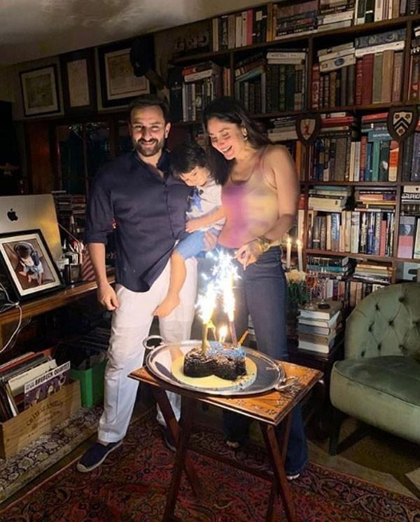 كارينا وسيف علي خان وابنهما تيمور