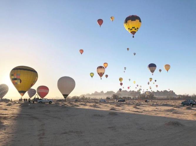 فيديو: هل تصبح العلا السعودية الوجهة الأشهر لعشاق الطيران بالمنطاد في المنطقة؟