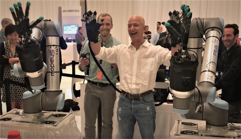 بيزوس أكد انه من المتوقع اتاحة الروبوتات التجارية للبيع خلال السنوات العشر القادمة