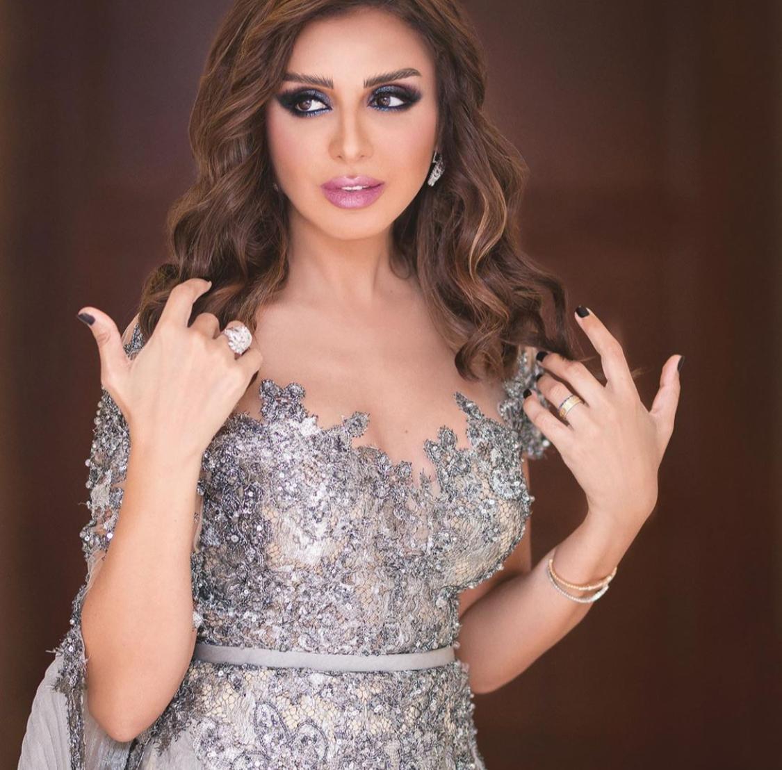 إطلالة أنغام في حفل الكويت