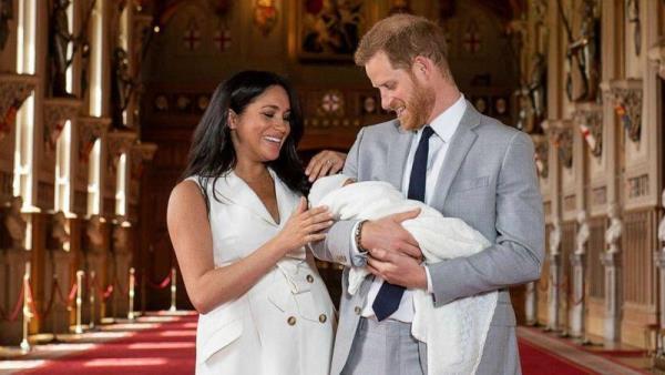 ميغان ماركل والأمير هاري يستقبلان مولودهما الأول