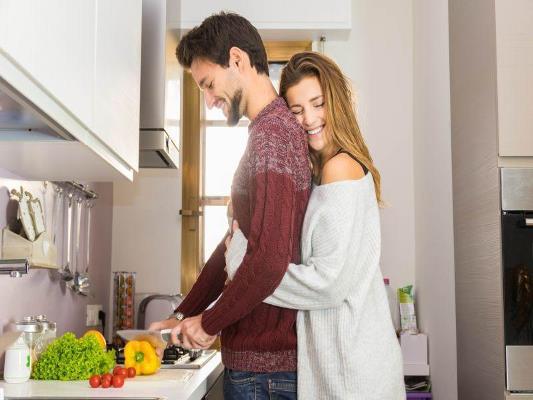 لحظات رومانسية الشريكين بين الزوجين
