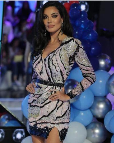 نادين نسيب نجيم بفستان من زهير مراد