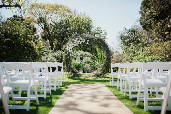 حفلات زفاف في الهواء الطلق