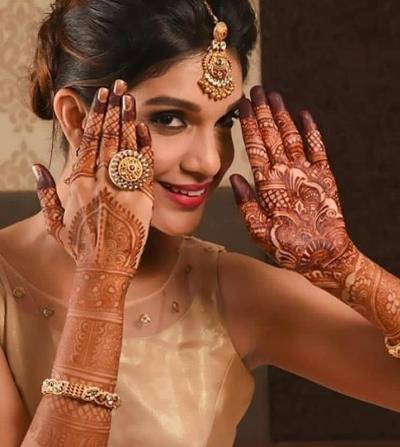 حناء عروس على اليد