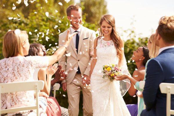 استقبال العروس يوم زفافها