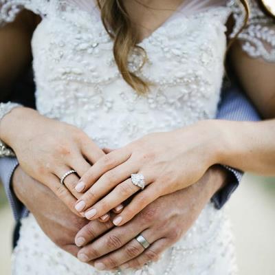 طلاء أظافر العروس