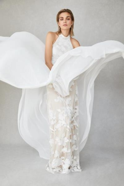 احرصي على عدم توسيخ فستان زفافك