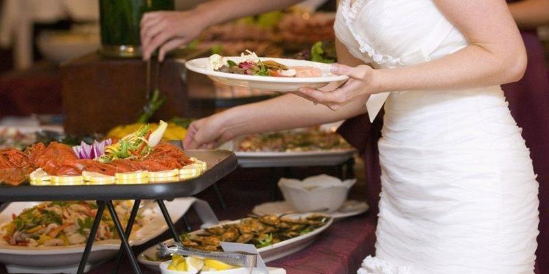 لائحة طعام الزفاف