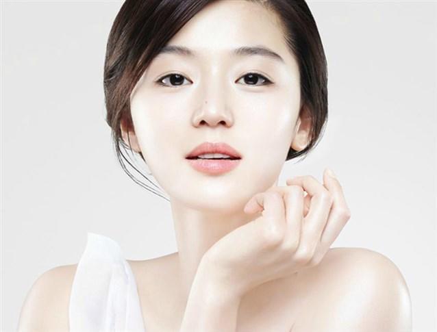 بشرة المرأة الكورية