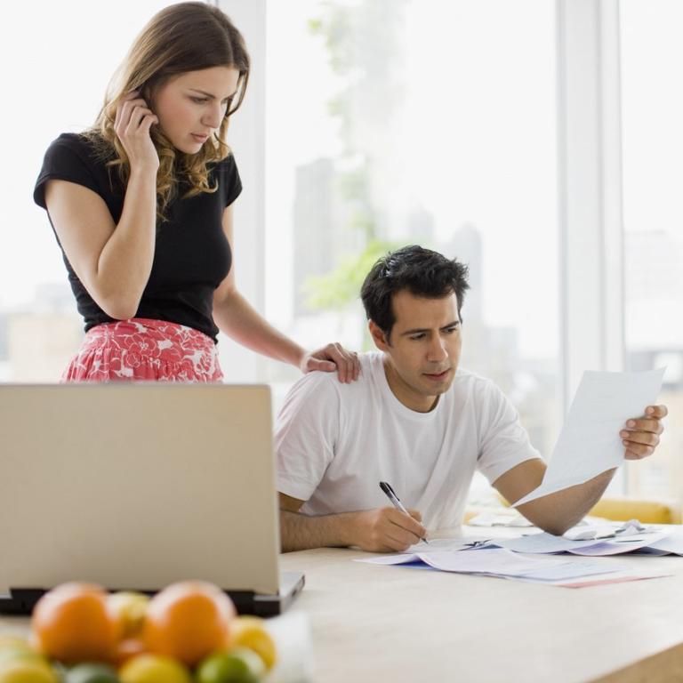 حافظي على علاقة قوية خلال التخطيط للزفاف