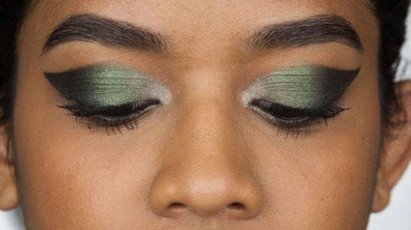 احتفلي باليوم الوطني السعودي، بمكياج عيون «أخضر»