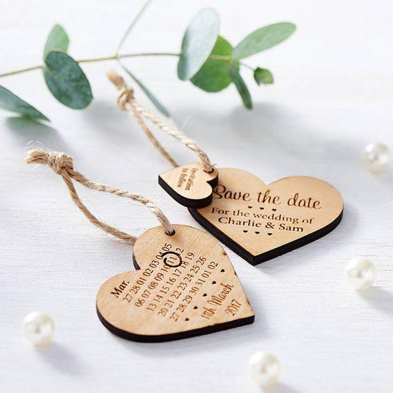 دعوات زفاف خشبية