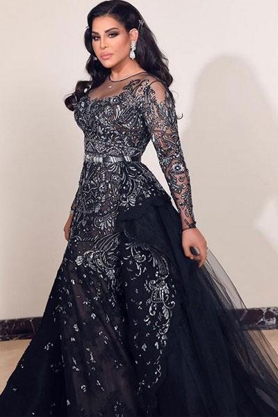 فستان باللون الأسود للنجمة أحلام