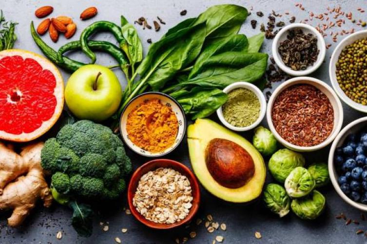 خضراوات وفاكهة تحمي من أشعة الشمس