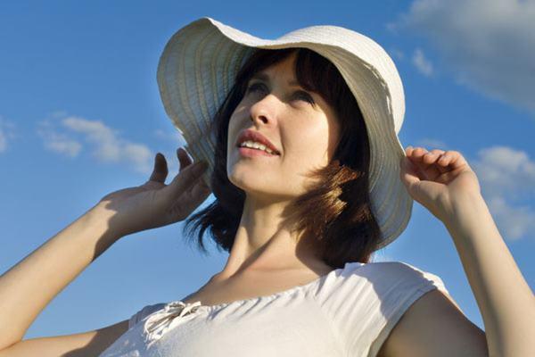 احمي وجهك من أشعة الشمس