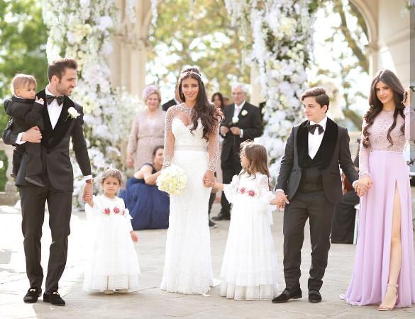 الصور الاولى من الزفاف