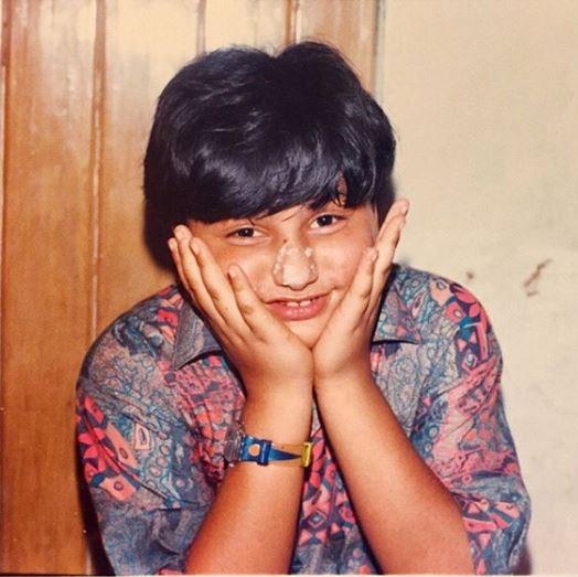 الصورة التي نشرتها شقيقة أرجون في طفولته