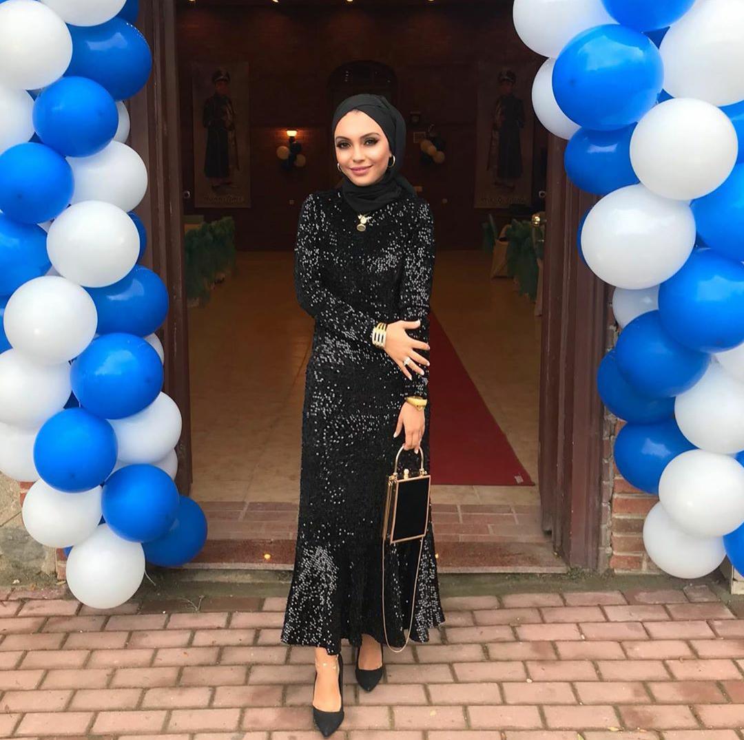 فستان سهرة أسود للمحجبات