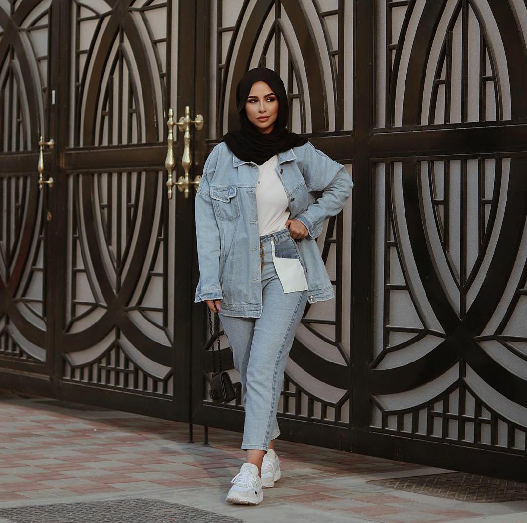 جاكيت جينز Oversized مع بنطال من نفس اللون