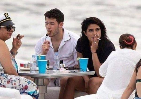 بريانكا شوبرا تدخن على متن اليخت