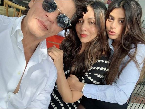 شاروخان مع زوجته وابنته سوهانا