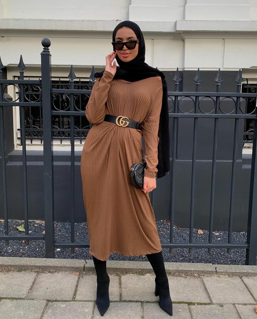 فستان جملي Midi مع بوط طويل