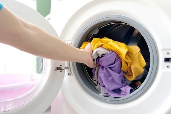 \غسل الثياب على الظهر