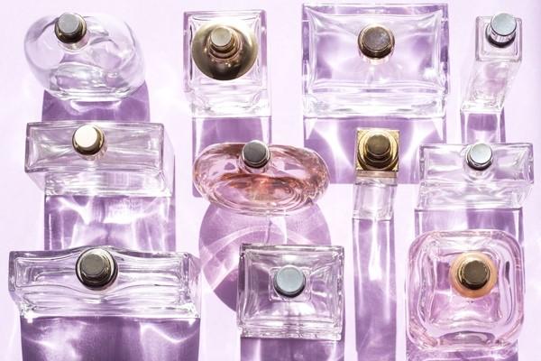 نصائح للاستفادة من زجاجات العطور الفارغة