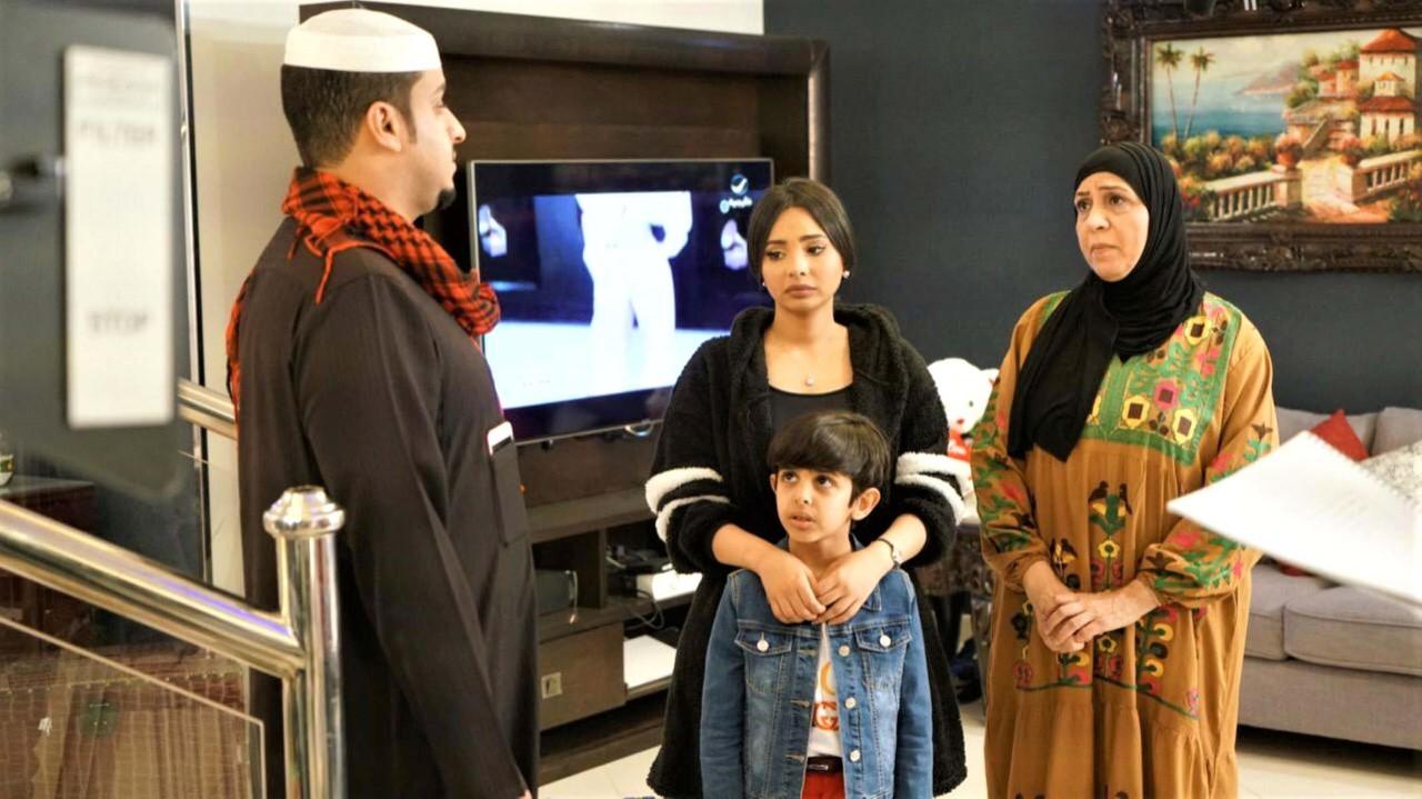شفيقة يوسف وسارة اليافعي وفيصل العيسى والطفل محمد الحربي