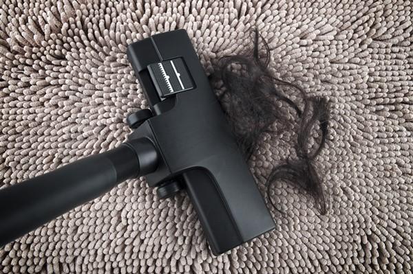 تجمّع الشعر على الفرشاة