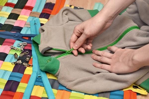 طريقة تصليح سحاب الملابس