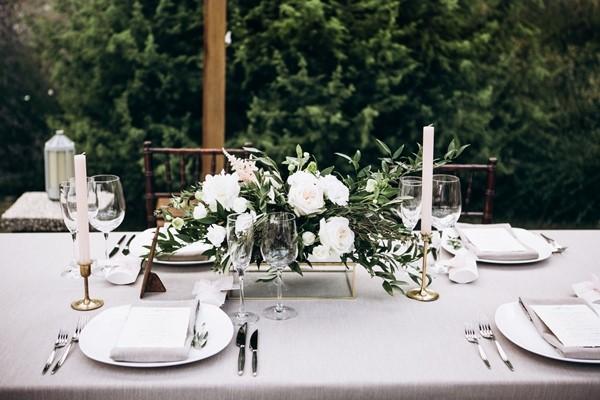تزيين الطاولة بالشموع
