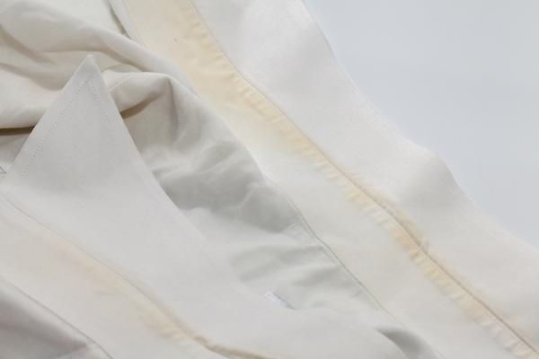 ازالة البقع الصفراء من الملابس البيضاء