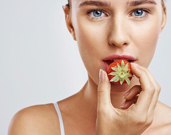 الفراولة للبشرة
