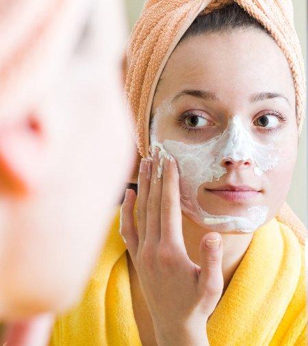 غسل الوجه كل يوم قبل النوم مباشرة