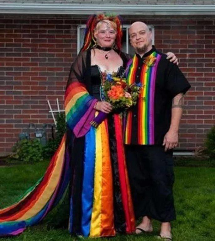 فستان قوس قزح