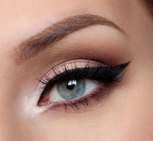 أيلاينر العيون اللوزية
