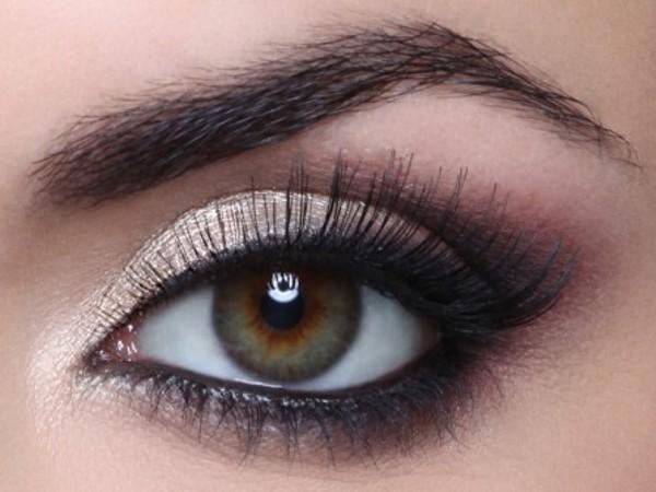 مكياج العيون الدائرية