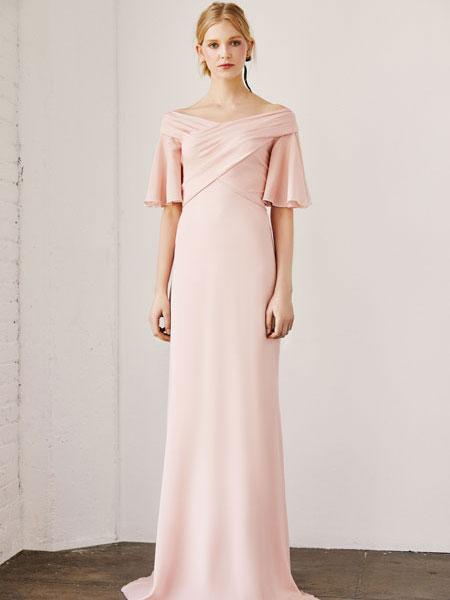 فستان زفاف وردي