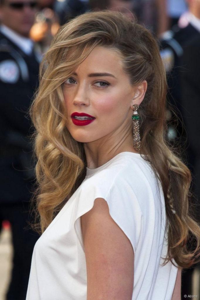 تسريحة جانبية بسيطة لصاحبات الشعر الطويل