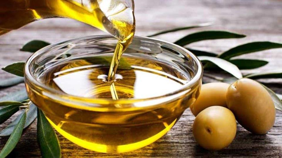 زيت الزيتون لعلاج فطريات الأظافر