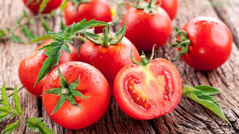 الطماطم لإزالة حب الشباب