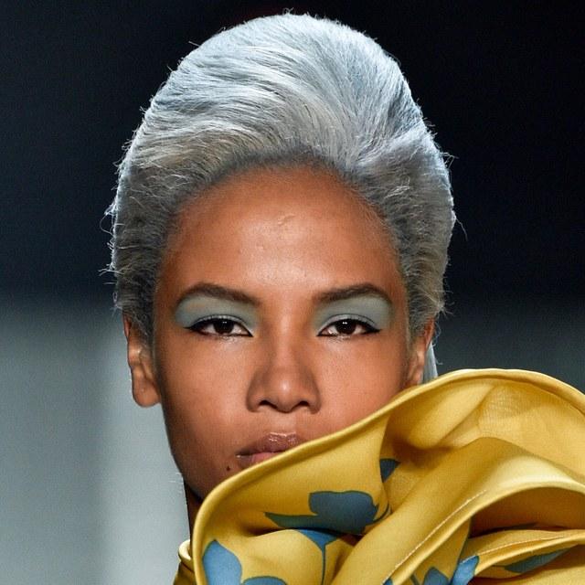 صبغة الشعر الأزرق